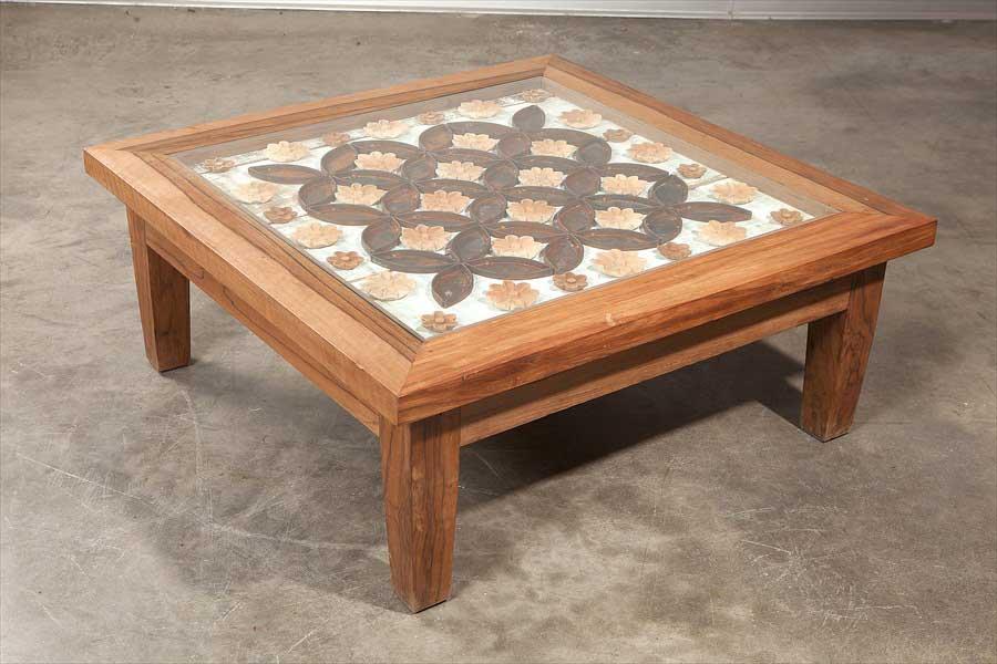 שולחן סלוני עם פרזול ישן
