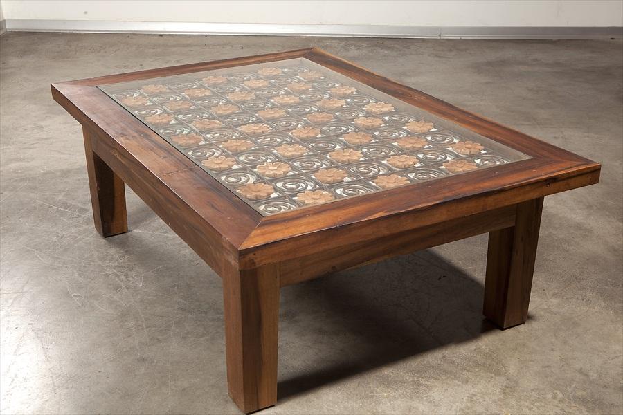 שולחן סלוני עם פרזול ישן2