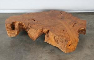 """שולחן סלוני מפרוסת גזע """"פרובה"""" נדיר"""