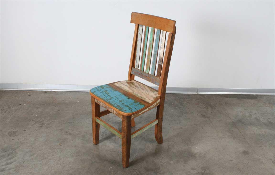 כיסאות מעץ מלא ממוחזר