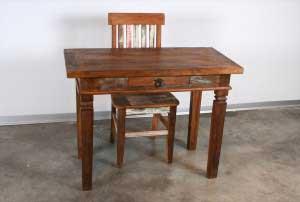שולחן עבודה קטן מעץ מלא