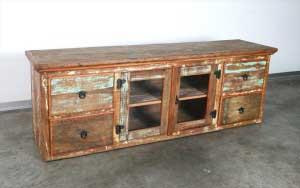 שידת טלוויזיה מעץ מלא עם ויטרינה