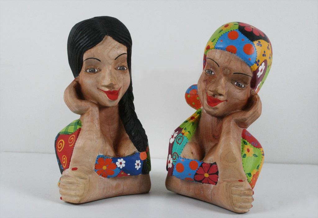 נשים ברזילאיות בגילוף עץ