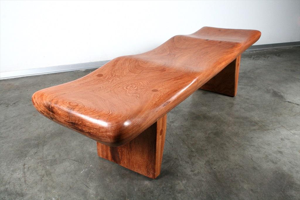 ספסל מגולף מעץ מלא