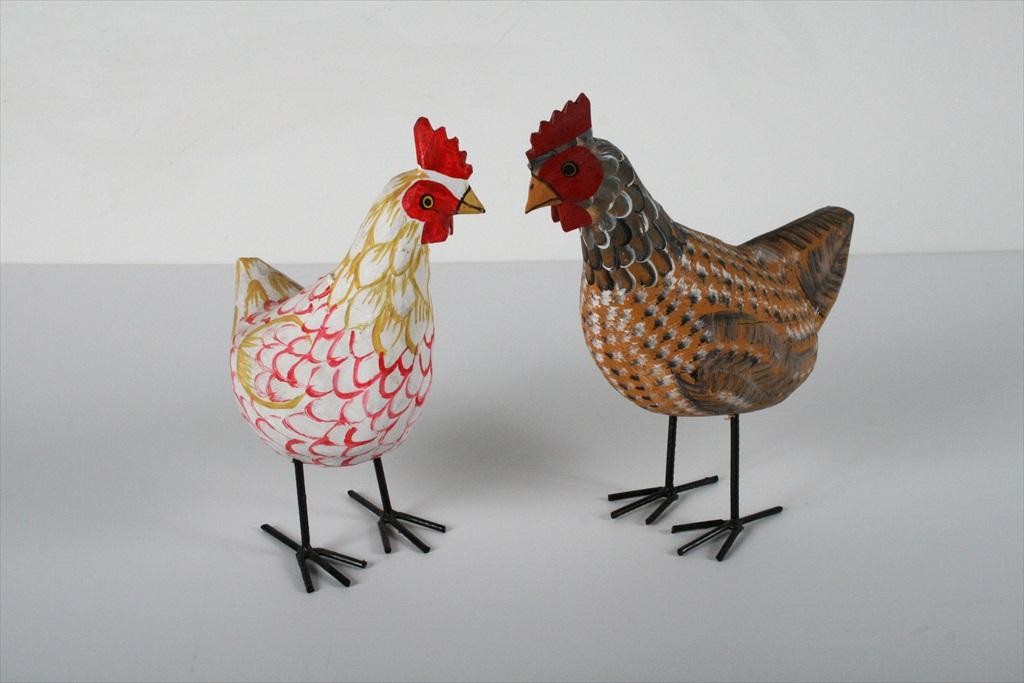 תרנגולים צבעוניים מעץ