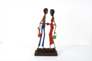 פסל מגולף מעץ – זוג חברים