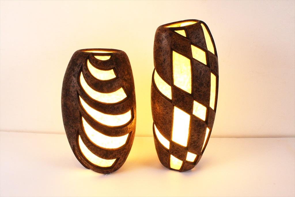 גופי תאורה מקרטון ממוחזר בגדלים שונים
