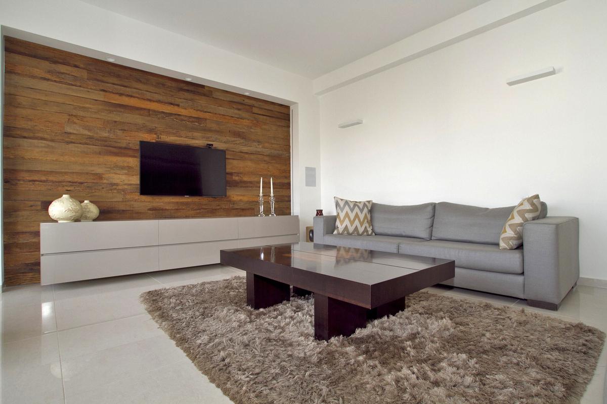 חיפוי קיר בדירה עירונית