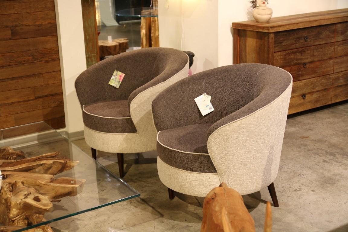 כורסאות מדגם Perola למכירה מתצוגה